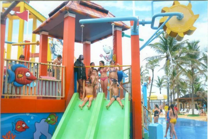 Brincando no Beach Park