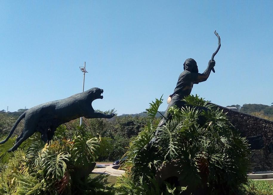 Monumento Santana do Parnaíba, SP