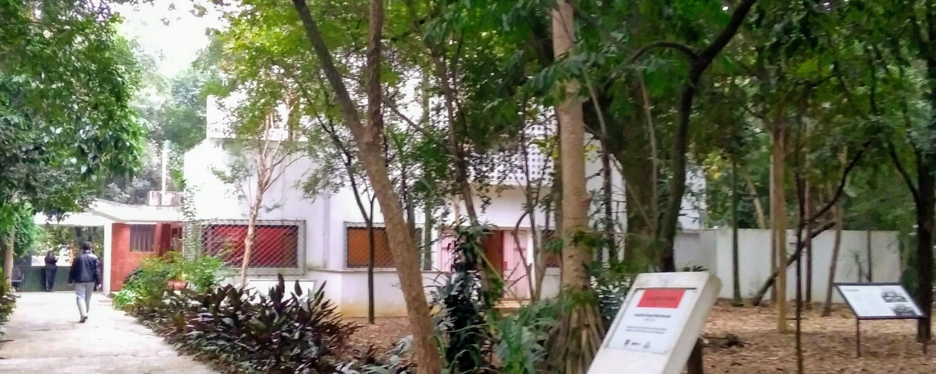 Parque e Casa Modernista - Rua Santa Cruz - SP