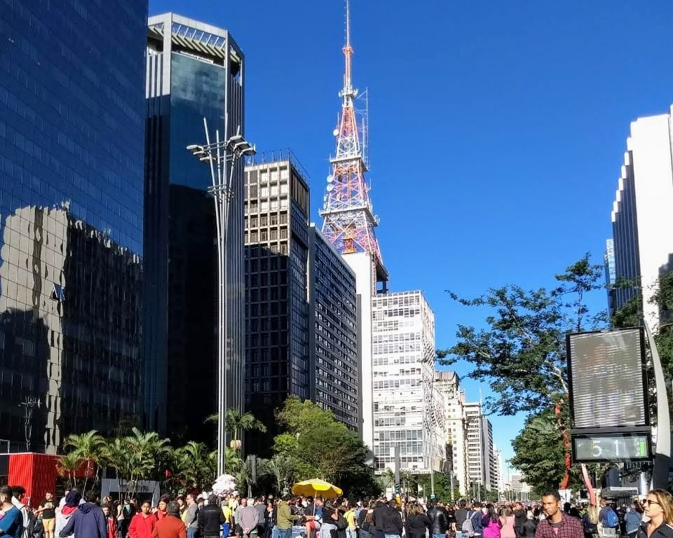 Domingo na Av. Paulista SP