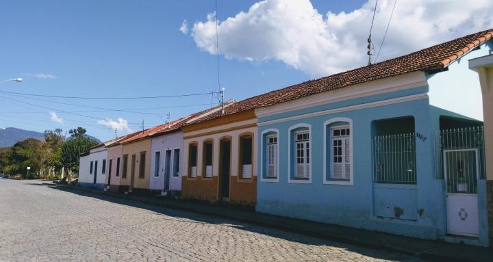 CASARIO EM PASSA QUATRO MG