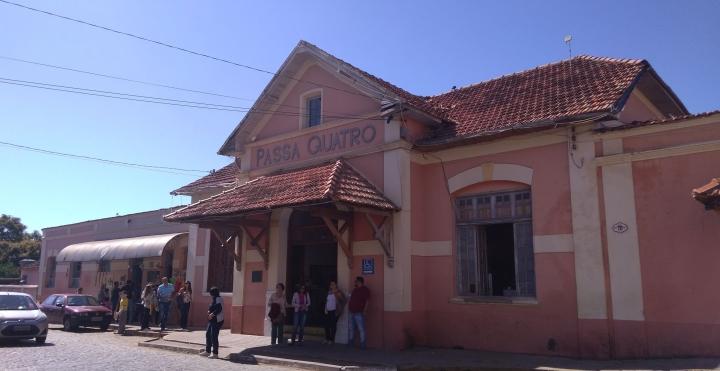 Estaçao Ferroviária de Passa Quatro MG