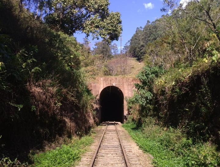 Tunel ferroviário - Passa Quatro MG