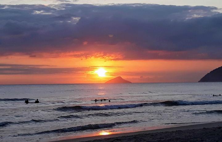 Pôr do sol na praia de Maresias SP