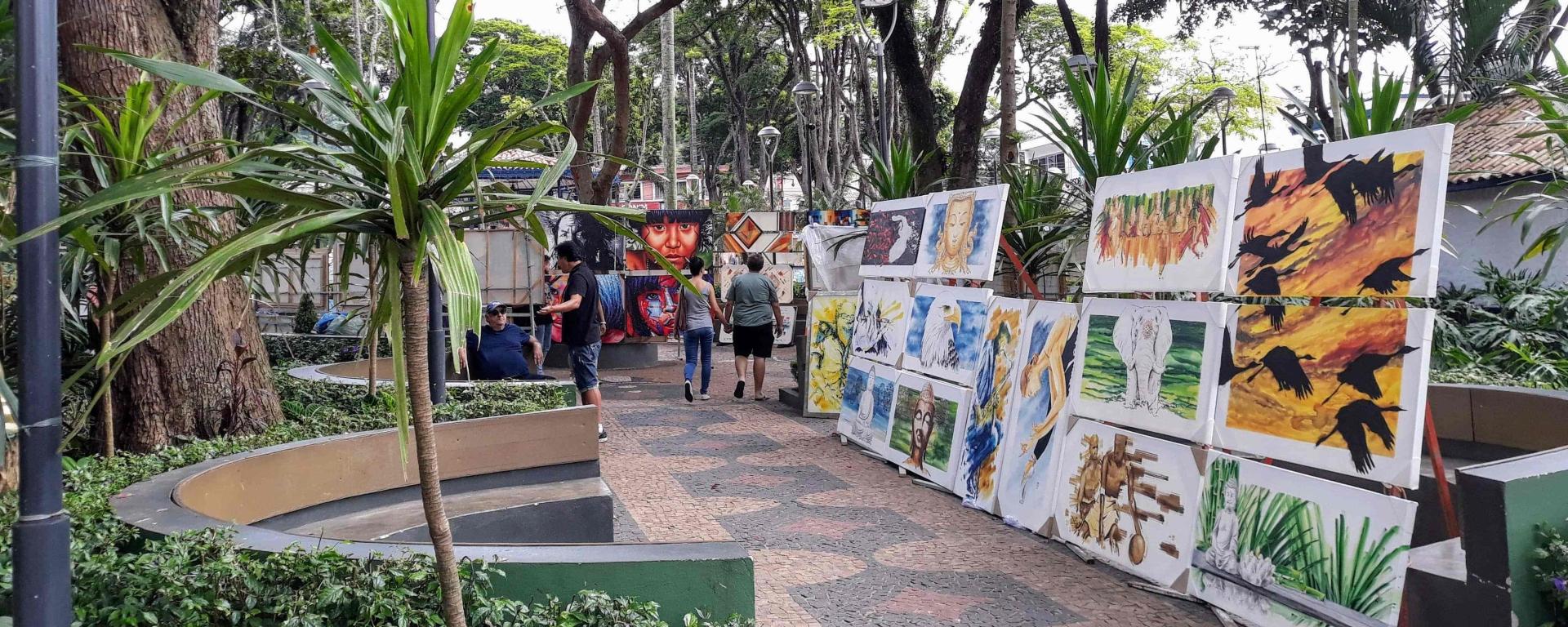 Embu das Artes - Feira de Artes e Artesanato